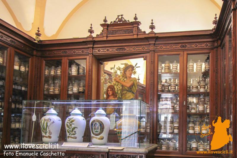 Antica Farmacia Cartia (foto Emanuele Caschetto)