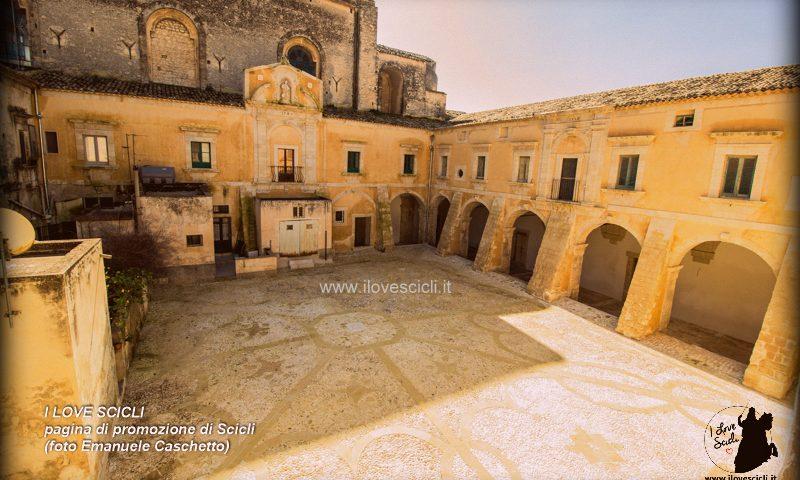 Chiostro Convento del Carmine di Scicli (foto Emanuele Caschetto)