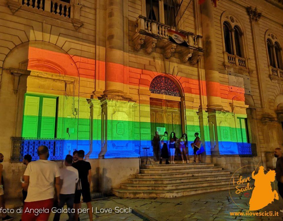 gay pride comune arcobaleno